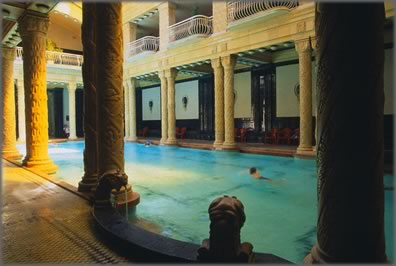 foto delle terme coperte a budapest bagno termale gellert, privato